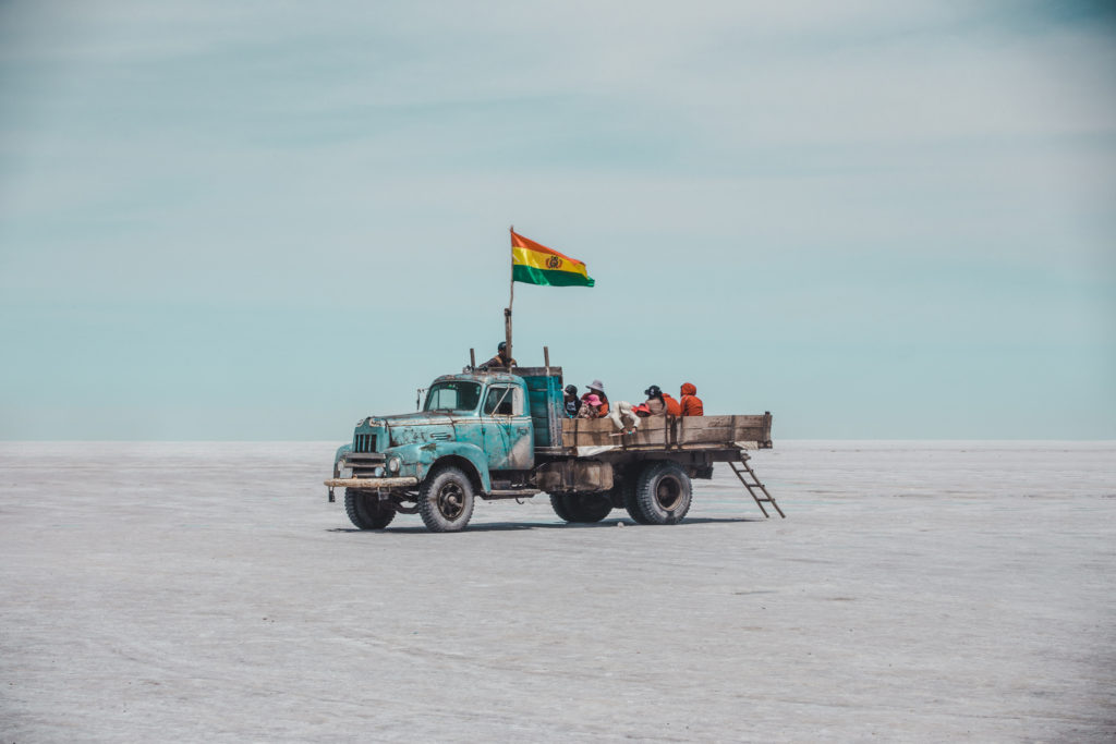 Uyuni Salt flats bolivia travel guide