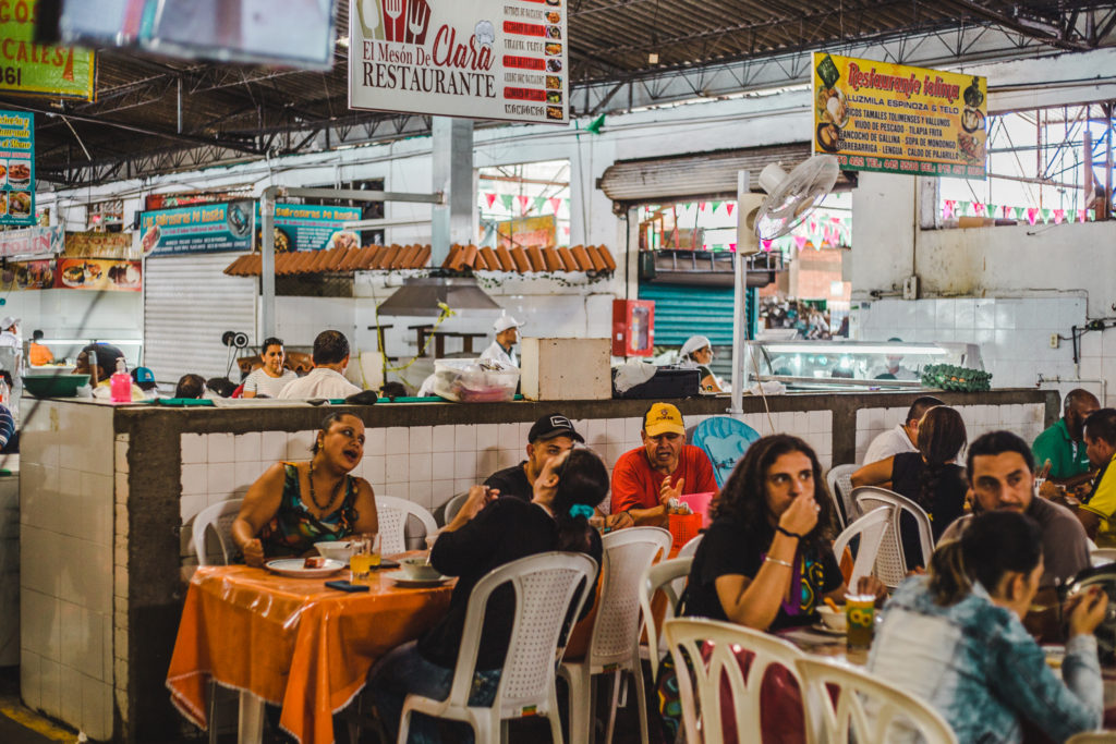 how easy eat gluten free gf latin south america intolerance diet dietary requirements travel with allergy allergies wheat harina maiz ingredients typical food guide blog market street food stall