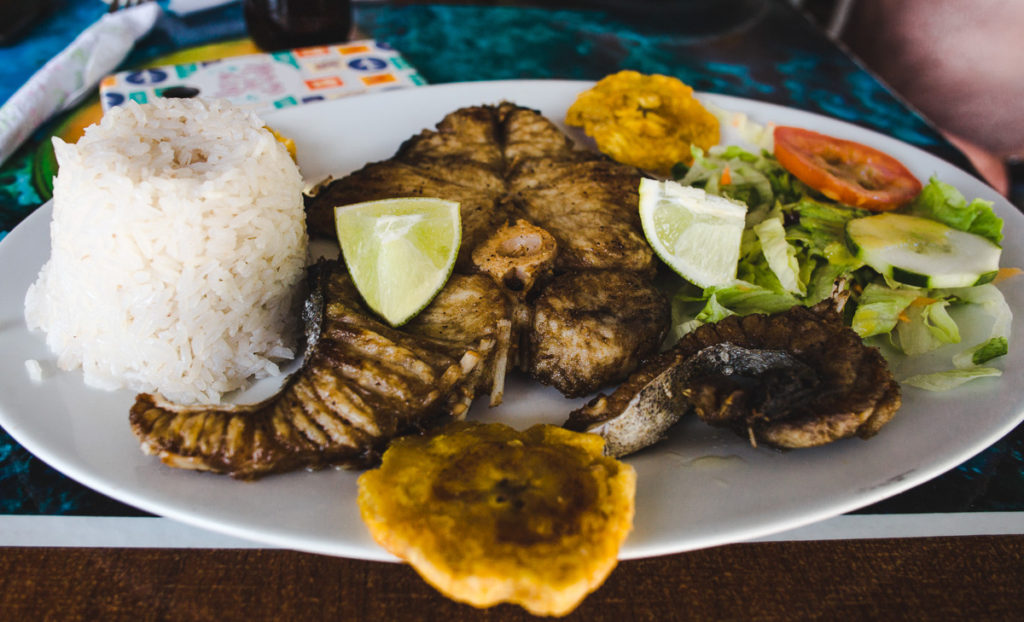 menu del dia colombia food cost of living in Colombia